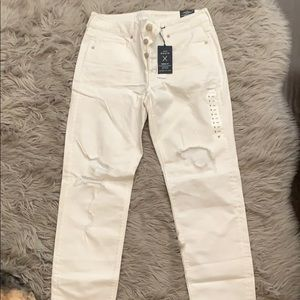 NWT White distressed tom girl jeans